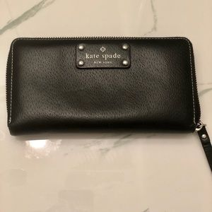 Kate Spade ♠️ Leather Wallet